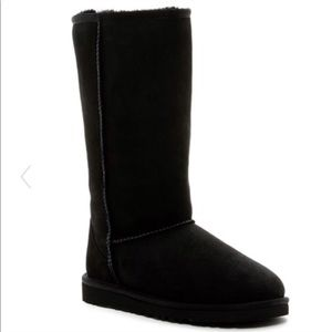 UGG Classic II Tall Boots Size 8